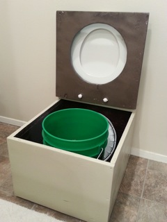 nicoles-diy-humanure-composting-toilet-project-04