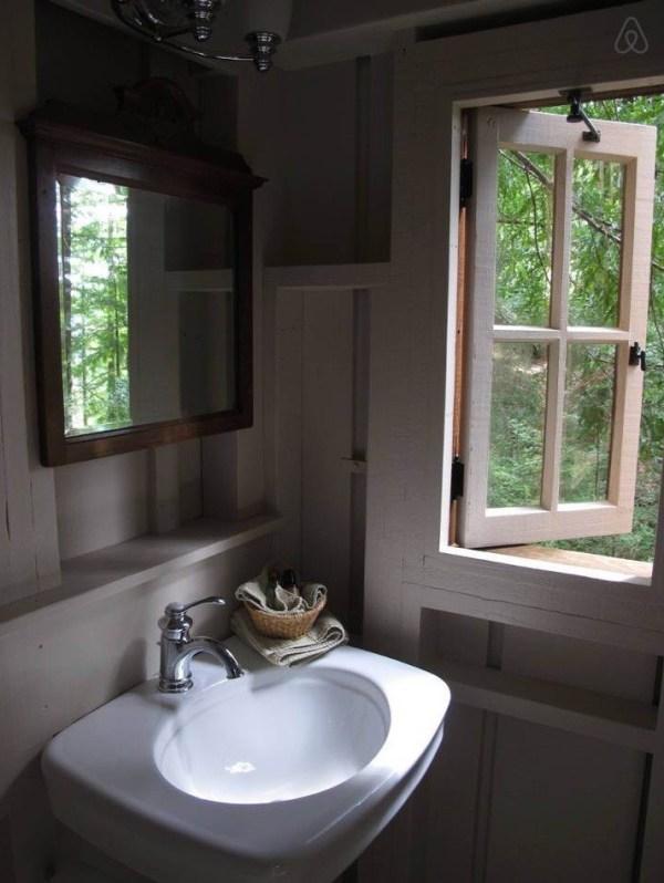 Window Near Sink in the Bathroom