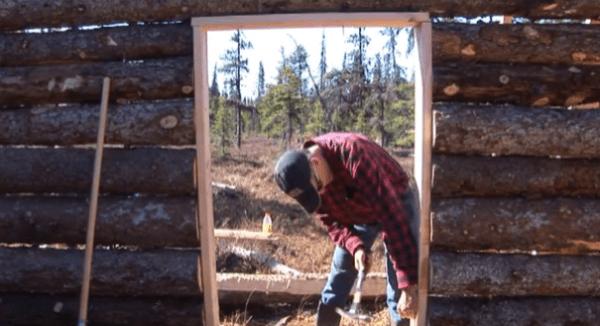 pioneer-log-cabin-building-14