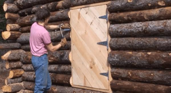 pioneer-log-cabin-building-17