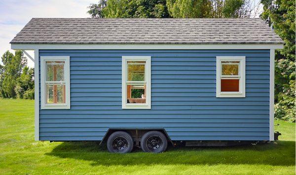 poco-edition-tiny-house-on-wheels-by-tiny-living-homes-0010