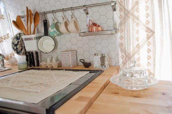 renovated-airstream-with-anthropologie-and-sarah-schneider-006