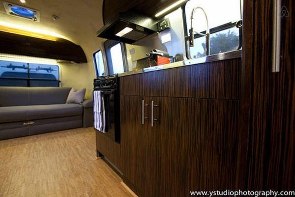 renovated-eco-airstream-vacation-005