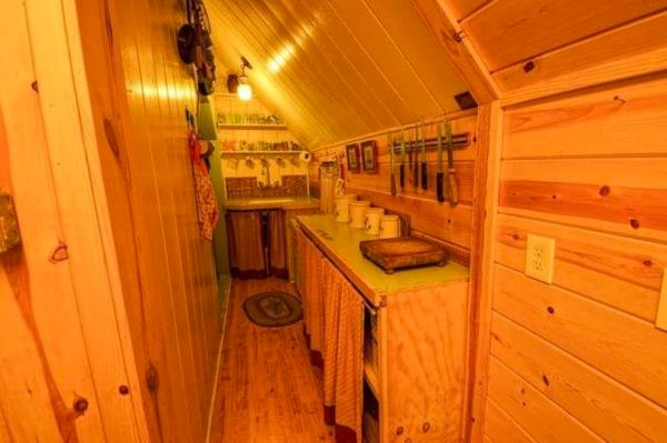 riverfront-tiny-cabin-in-the-woods-for-sale-09