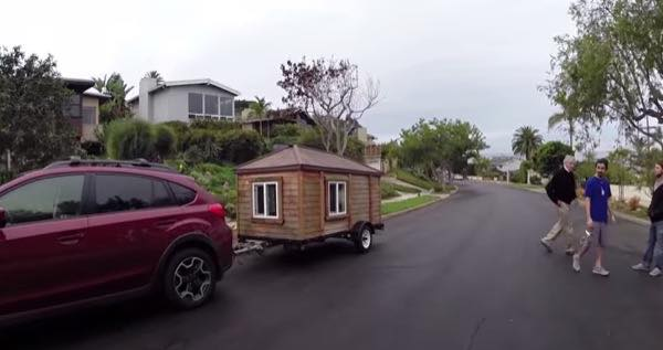 rob-greenfield-tiny-house-living-03