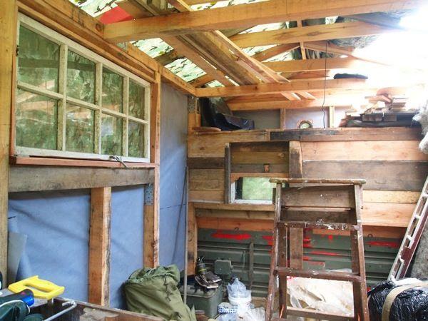 Rob Maison's Housetruck Tiny House (5)