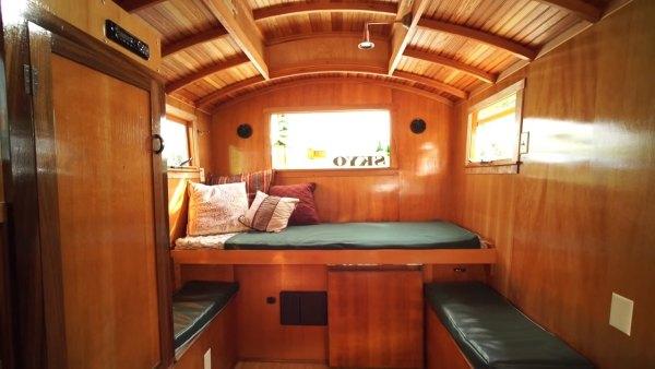 russ-gypsy-wagon-tiny-house-006