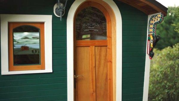 russ-gypsy-wagon-tiny-house-009