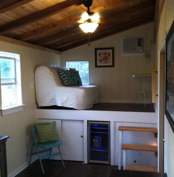 rustic-modern-tiny-house-for-sale-004