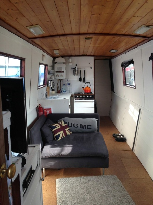 Small Space Living in a Narrowboat Tiny Home in London