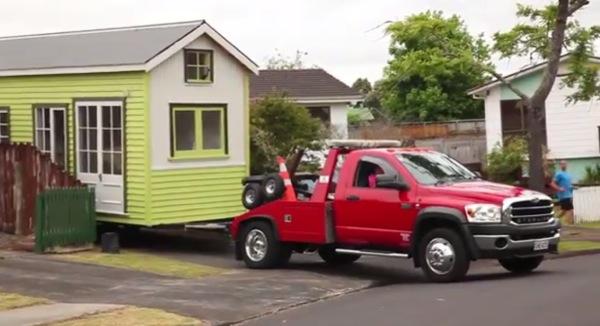 shaye-and-toms-diy-tiny-house-0014