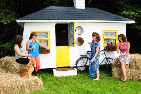 shebeen-tiny-irish-pub-on-wheels-03