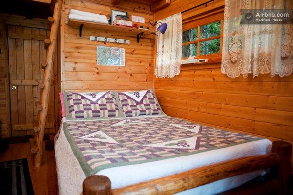 sleeper-treehouse-cabin-02