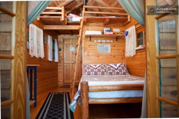 sleeper-treehouse-cabin-04