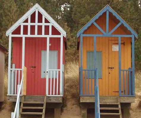 small-beach-huts-2