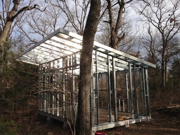 steel-framed-tiny-house-in-the-woods-003