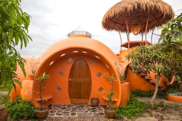 steve-areen-tiny-dome-home-in-thailand-001