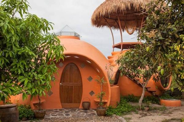 steve-areen-tiny-dome-home-in-thailand-0010