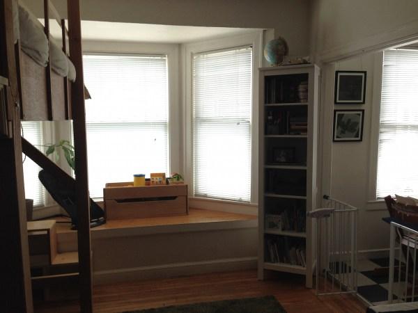 studio-apartment-room-window1
