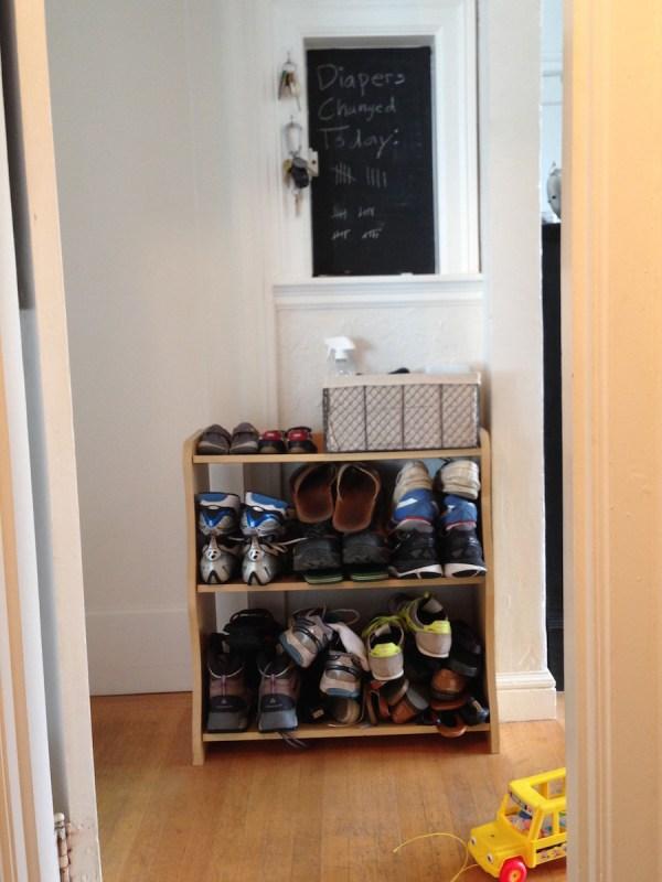 studio-apartment-shoe-storage1