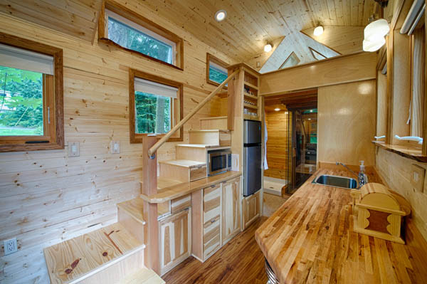 stunning-tiny-house-vacation-with-sauna-hope-cottage-christopher-tack-002