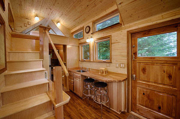 stunning-tiny-house-vacation-with-sauna-hope-cottage-christopher-tack-003