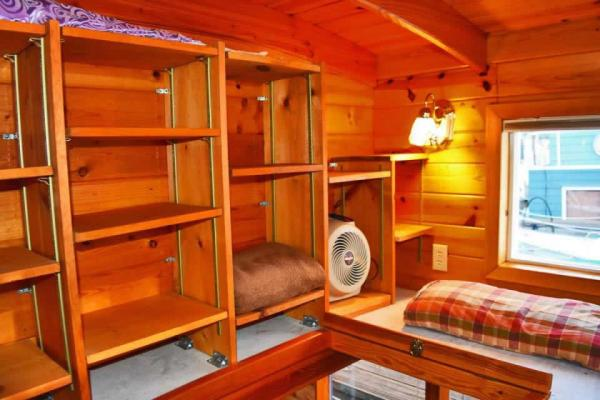 tao-tiny-houseboat-lake-union-smallhousebliss-013