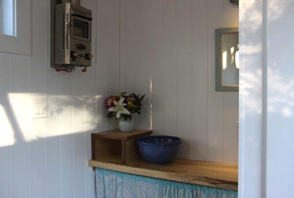 the-birdhouse-tiny-house-on-wheels-by-full-moon-tiny-shelters-007