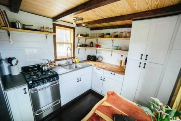 the-chimera-tiny-house-wheels-wind-river-tiny-homes-012