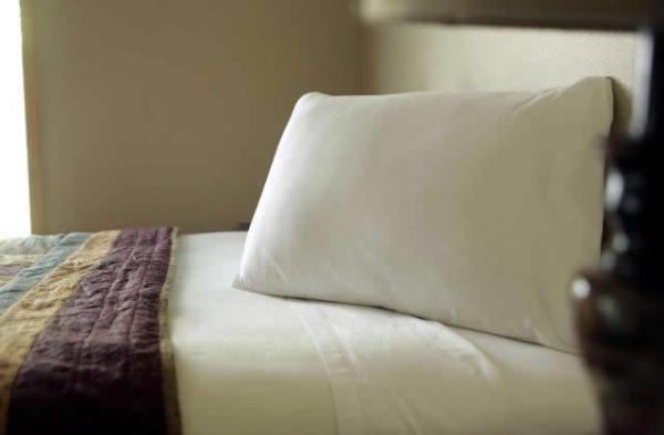 the-comal-750-sqft-2-bedroom-cottage-sleeps-eight-007