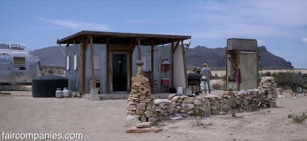 the-field-lab-128-sq-ft-tiny-house-by-john-wells-via-faircompanies-004