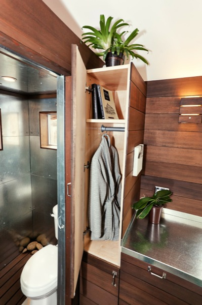 the-miterbox-tiny-house-on-wheels-010