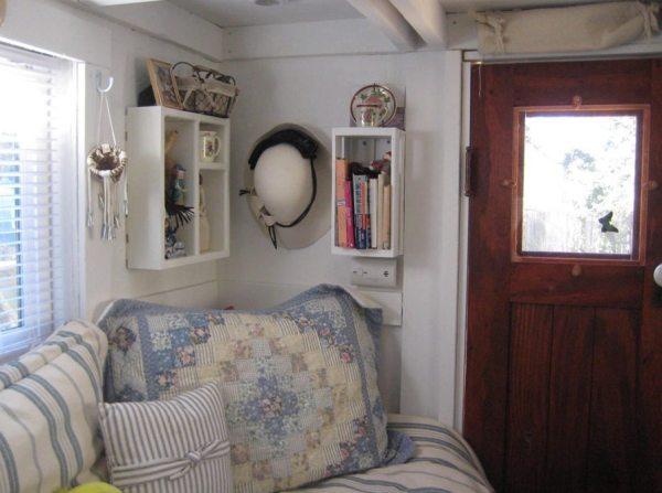 the-nest-tiny-house-on-wheels-by-marsha-cowan-0002