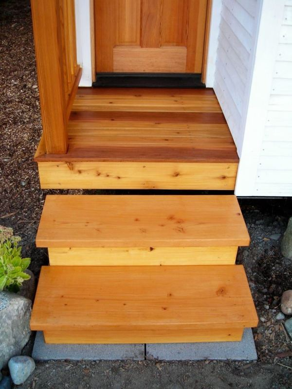 the-small-house-catalog-genius-outdoor-staircase-storage-for-tiny-houses-002