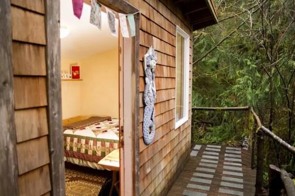 thimbleberry-creek-off-grid-micro-cabin-002
