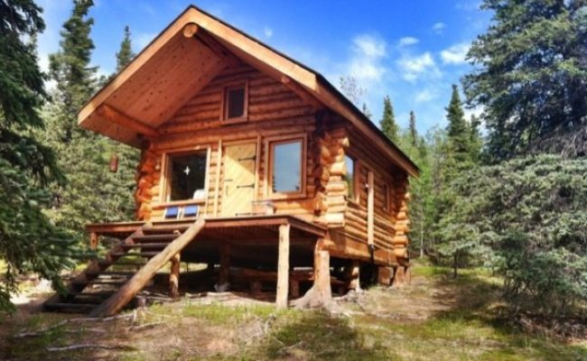 They Re Living Simply In A Tiny Log Cabin In Alaska