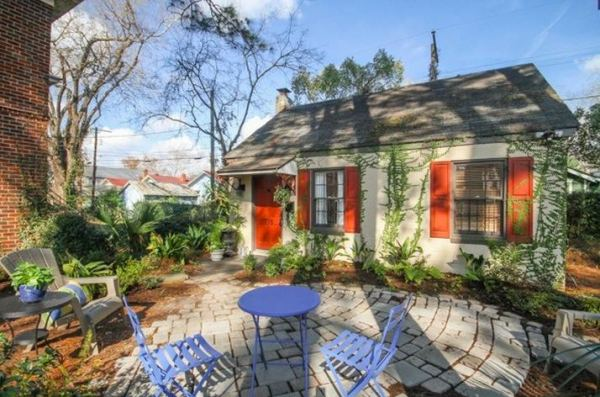 tiny-cottage-rental-savannah-homeaway-001