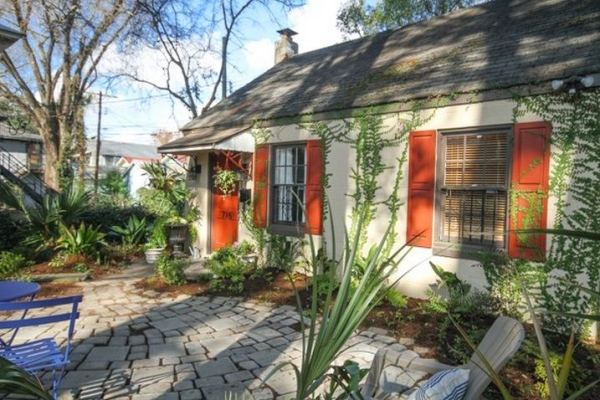 tiny-cottage-rental-savannah-homeaway-0014