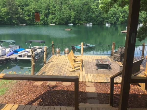 tiny-floating-cabin-fontana-lake-005