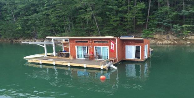 Tiny Floating Cabin On Fontana Lake