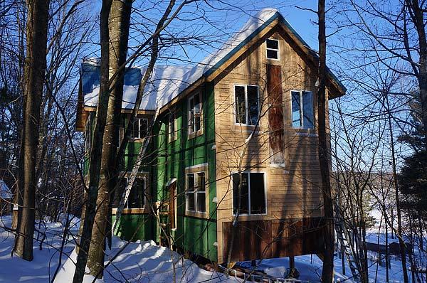 tiny-house-family-mortgage-freedom-001
