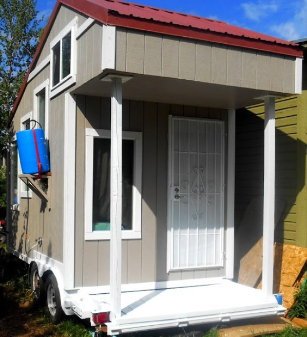 tiny-house-wife-001