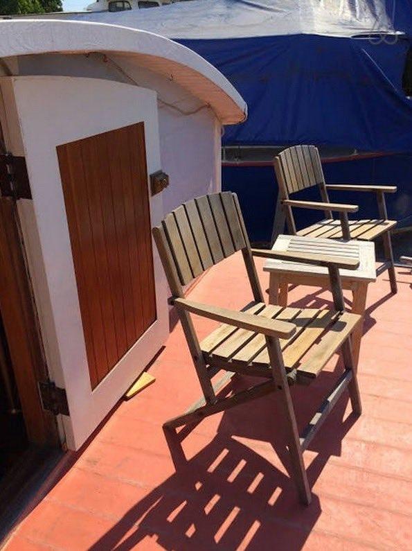 Tiny Houseboat Hotel Seattle