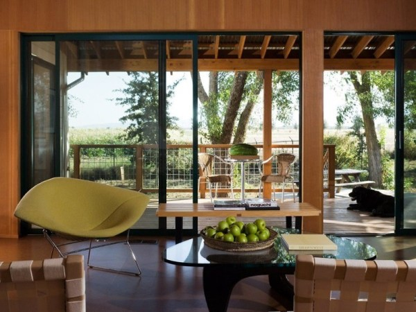 tiny-lighthouse-cabin-butler-armsden-architects-yolo-county-cabin-004