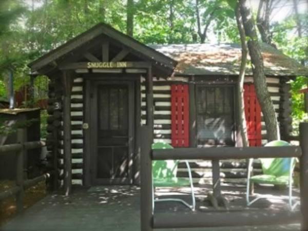 tiny-logc-cabin-asheville-001