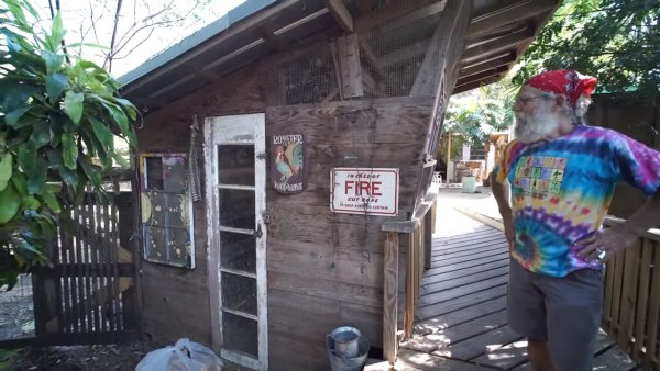 tiny-tree-house-on-farm-miami-008