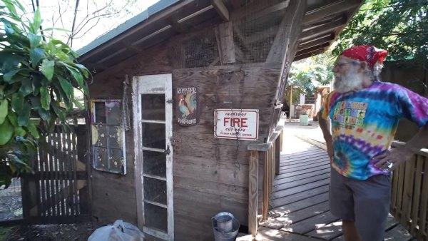 tiny-tree-house-on-farm-miami-008