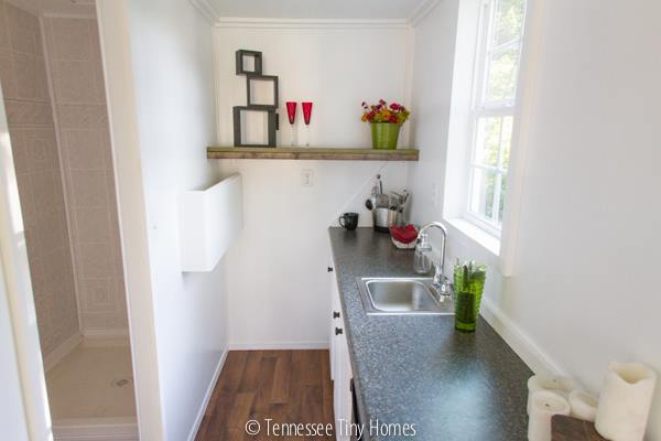 tiny-whitey-tennessee-tiny-home-for-sale-00010