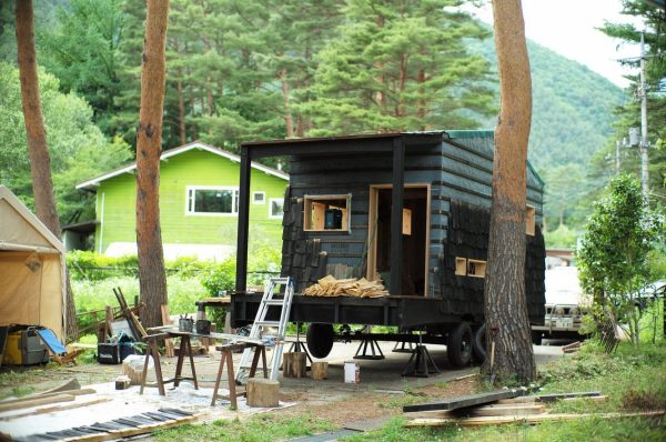 tree-heads-&-co-mobile-coffee-shop-green-roof-tiny-shop-008