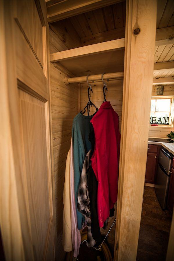 tumbleweed-elm-18-overlook-117-sq-ft-tiny-house-on-wheels-0010